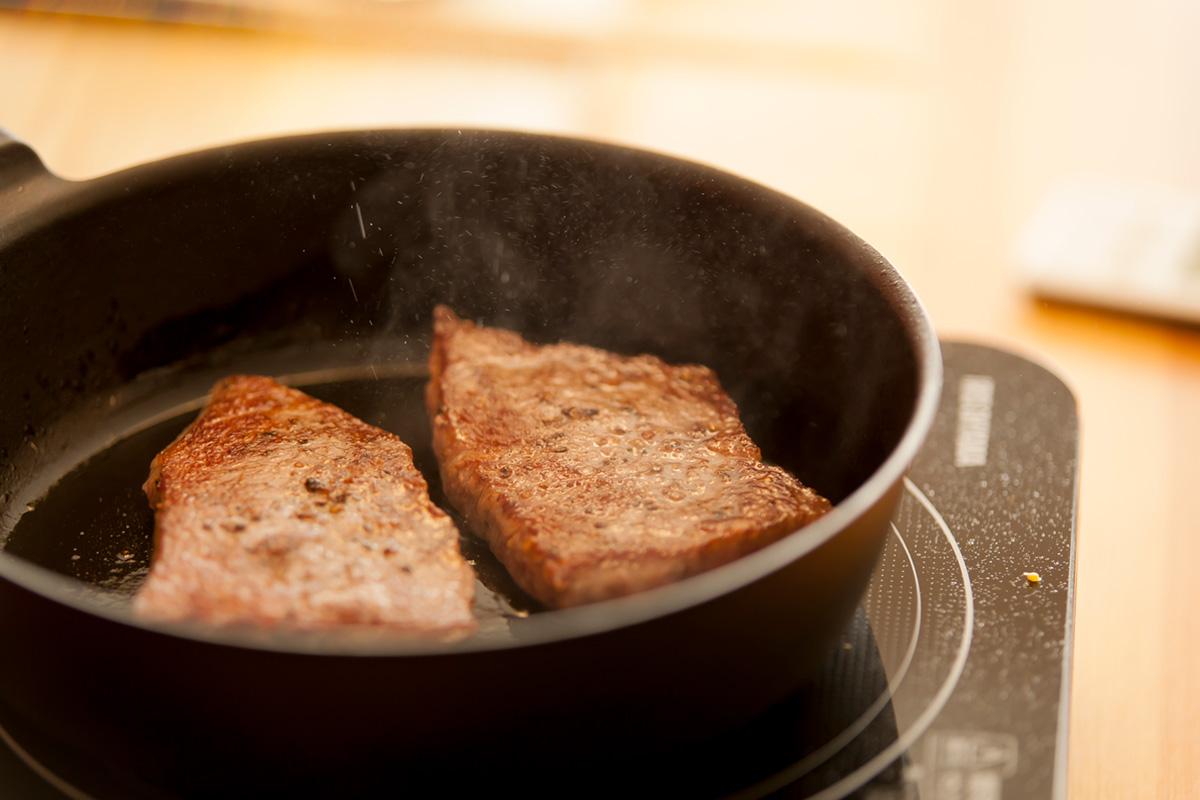 料理教室では塩コショウをしてから好みの焼き加減でグリルしています。